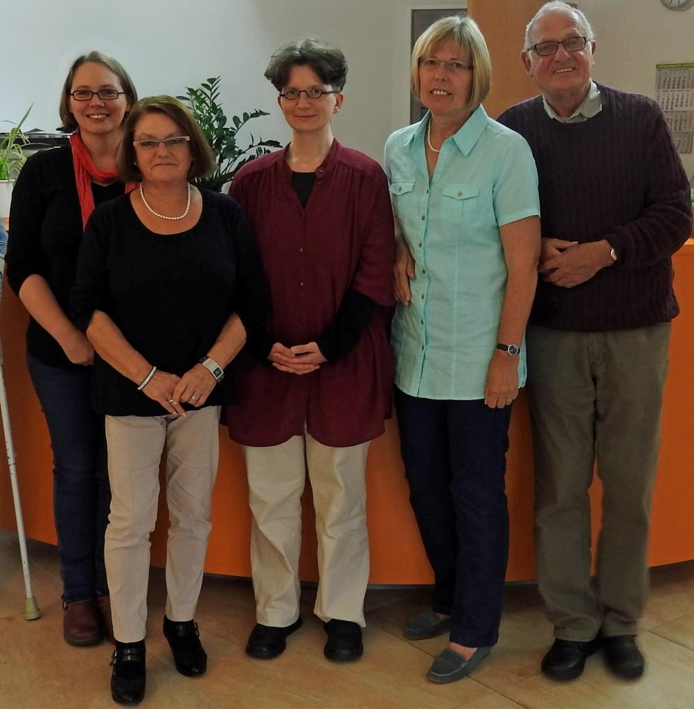 v. l. : Anne Schnütgen (Stadtverwaltung), Monika Göbel-Zenz (Mitglied des AK), Daniela Hütter (neue Gemeindeschwester plus), Helga Schiffer (Sprecherin des AK), Ingo Degner (Vorstandsmitglied des Seniorenbeirates)
